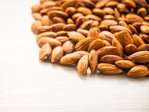 how do you choose the best quality almonds?