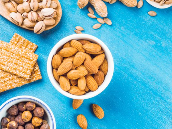 Buy almonds 1kg Packet and Bulk price